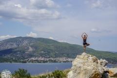 Anja macht Yoga