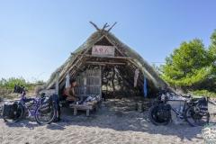 Im Schutz der Hütte , but this is not hotel!