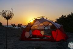 An einem verlassenen Strand von Rhodos