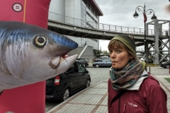 und Anja küsst einen verzauberten Fisch